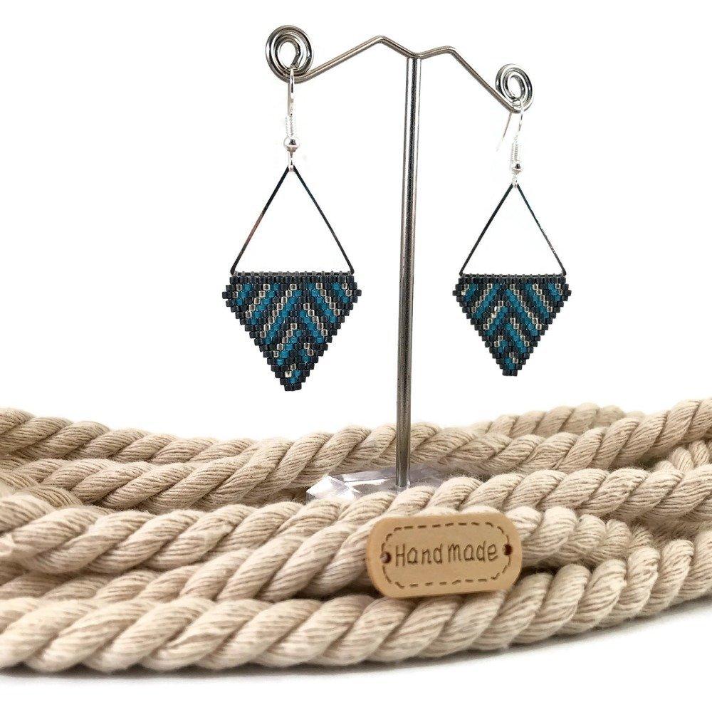 Boucles d'Oreilles Géométriques Légères Rayures Gris Bleues Triangles Idée Cadeau Fête des Mères Femme Perles Japonaise Tissées
