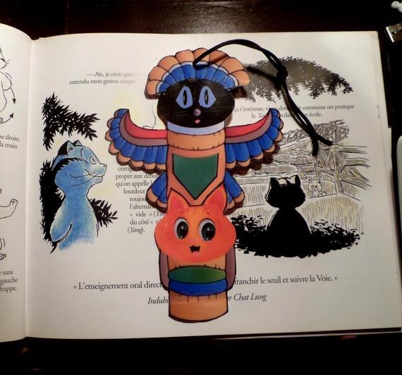 Marque page en forme de chat : chat totem