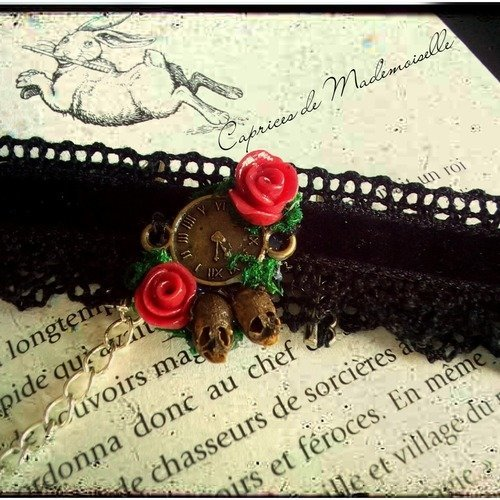 collier ras de cou velour rose