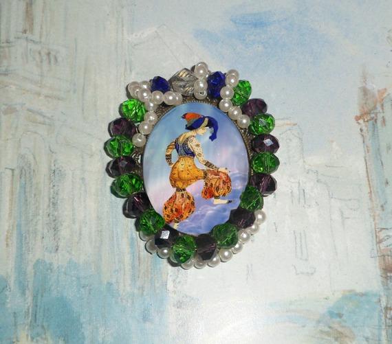 grande broche baroque (ou médaillon) avec ballerine russe