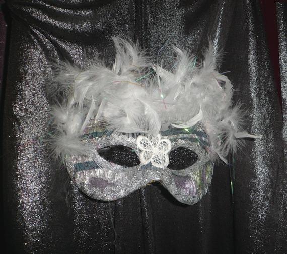 Masque décoratif ou à porter,loup vénitien argenté