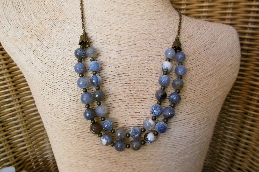 Collier multi rangs perles agates bleues facettées