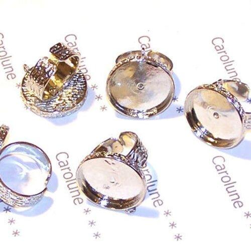 5 supports de bagues 21 mm métal argenté martelé, avec anneau pour breloque