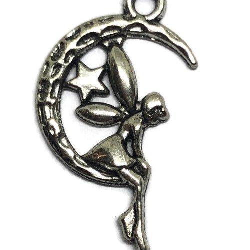 Breloque fée métal argenté