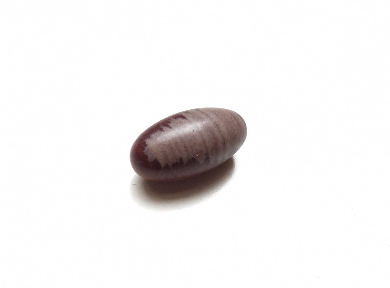 Pierre roulée, pierre gemme lingam ou Shiva Lingam