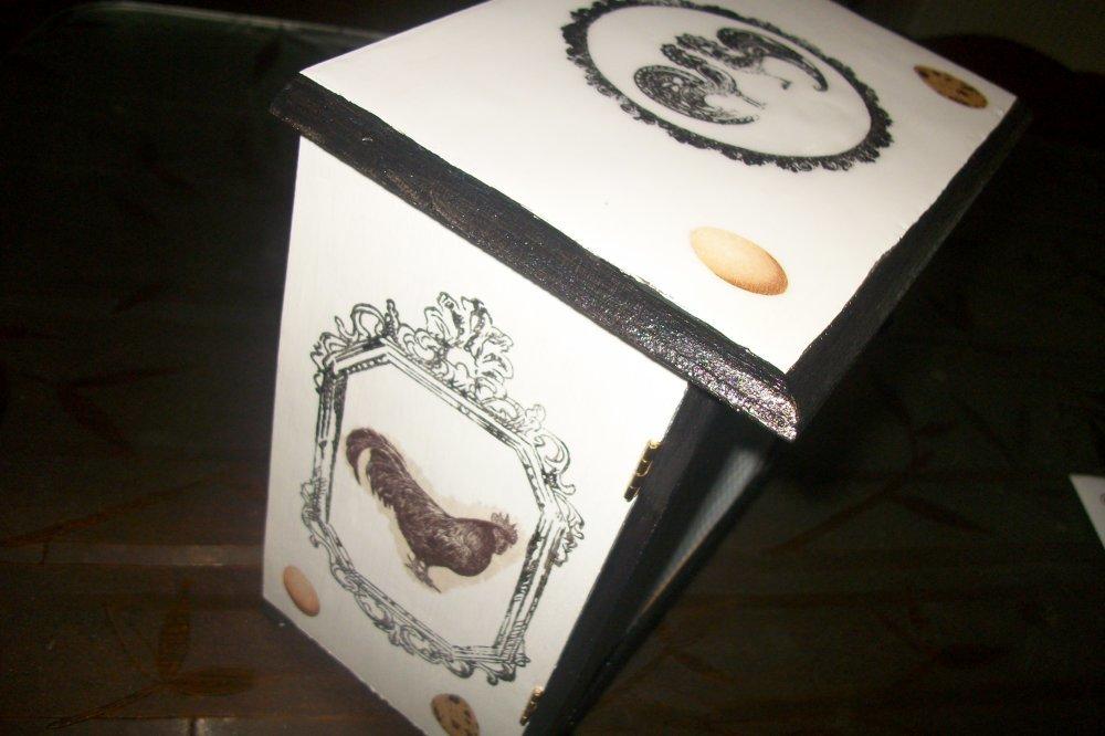 Boîte à oeufs,vintage,fait main# 22 X 20 X11,5 CM