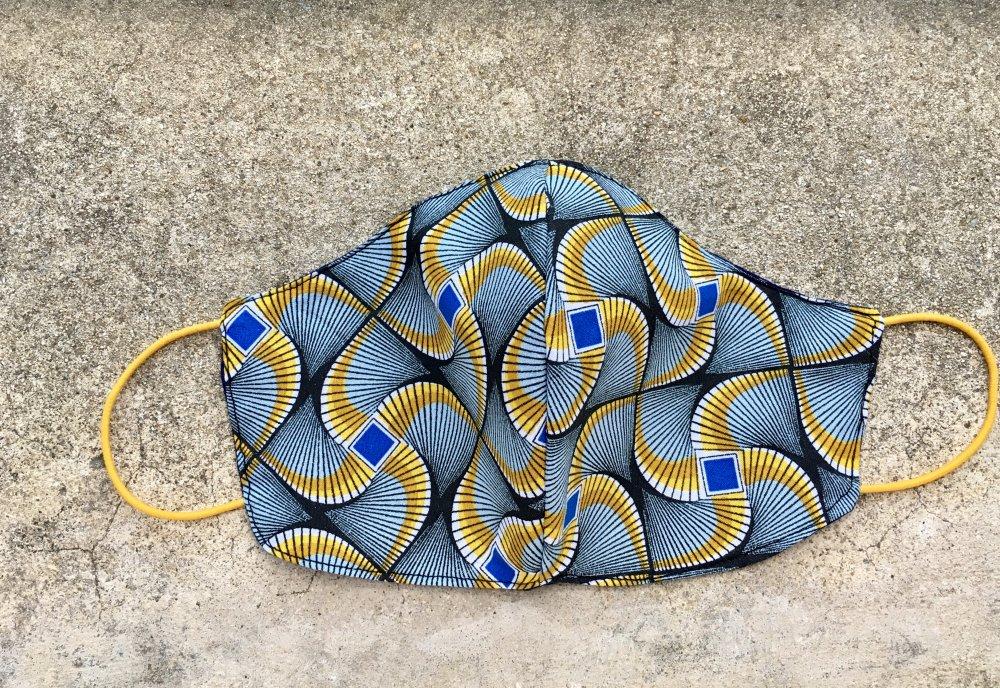 Masque en tissu modele africain