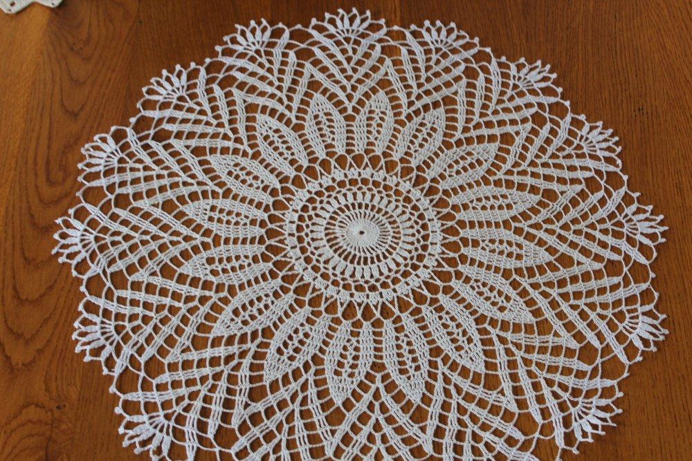 Napperon au crochet rond FASCINATION Dentelle au crochet - coton blanc très très fin DMC Cébélia 30