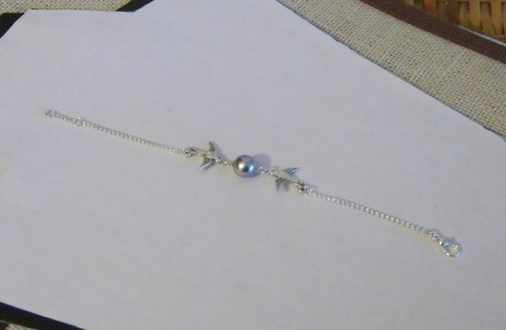 bracelet fantaisie sur chaine maillon argentée et perles