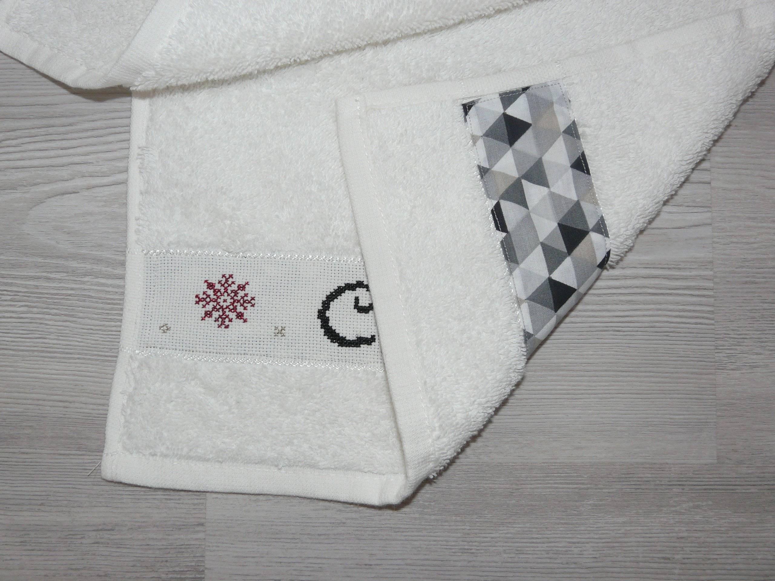 serviette de toilette broderie point de croix
