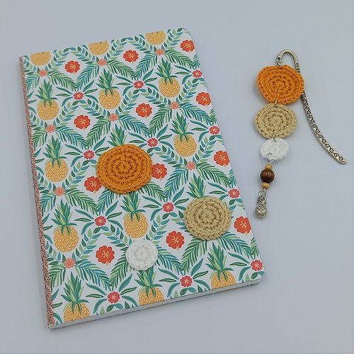 Carnet et marque-pages assortis - ananas