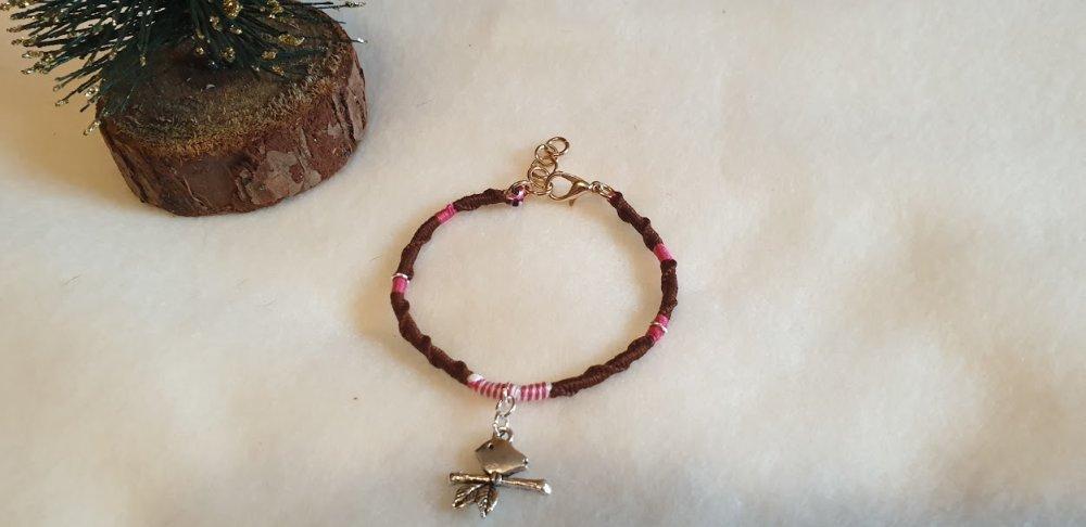 Bracelet porte-bonheur enfants + 6 ans marron,rose et blanc.