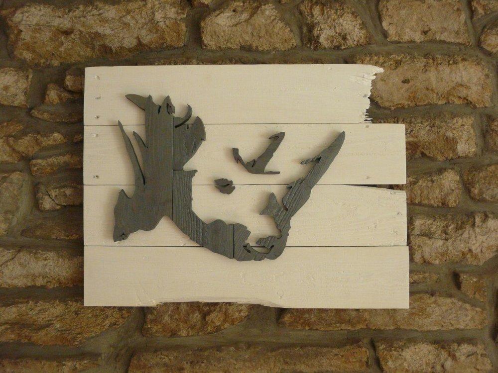 Tableau rhinocéros en relief, personnalisable et en bois de palette