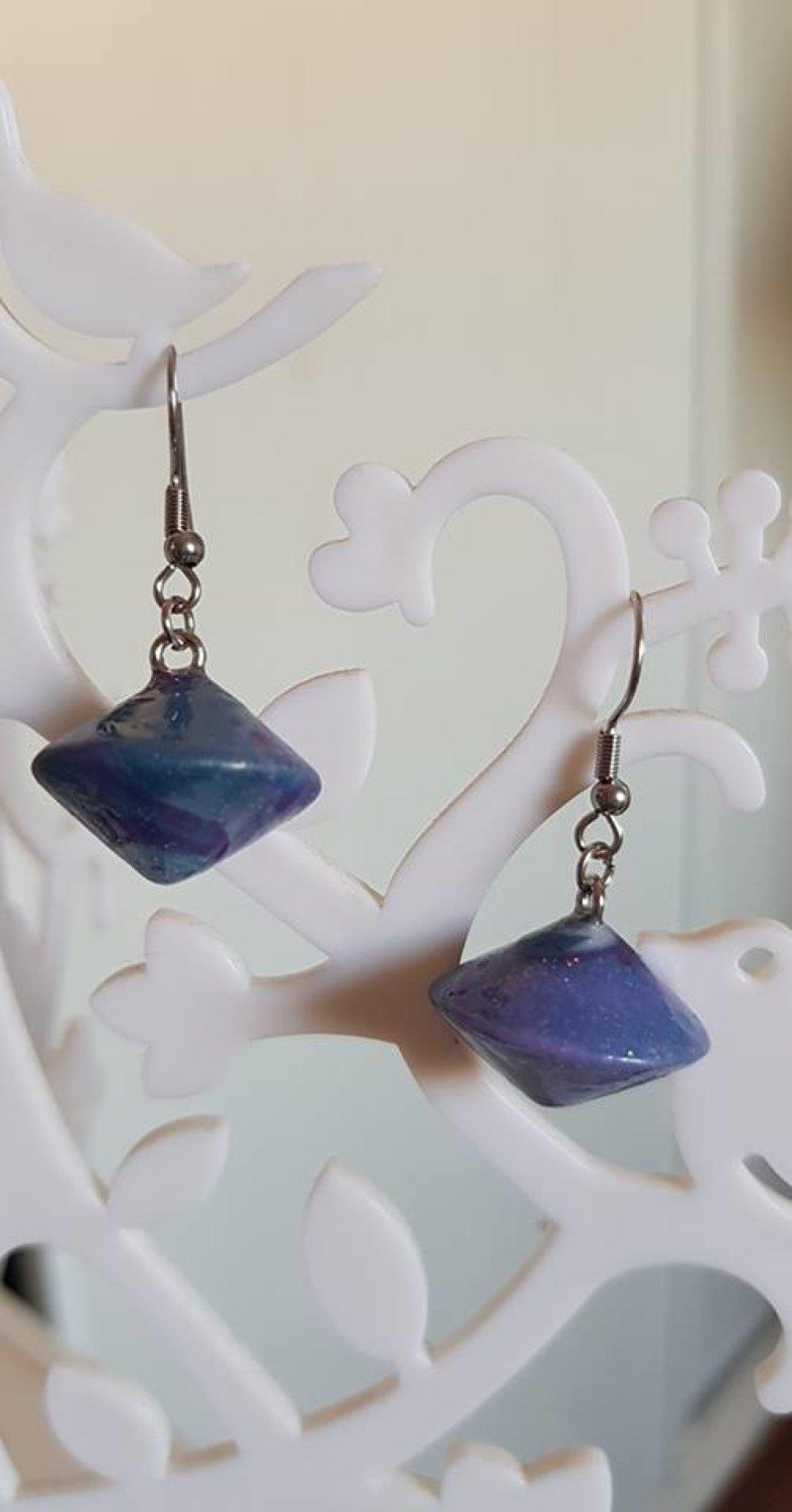 boucle d'oreille violet acier inoxydable