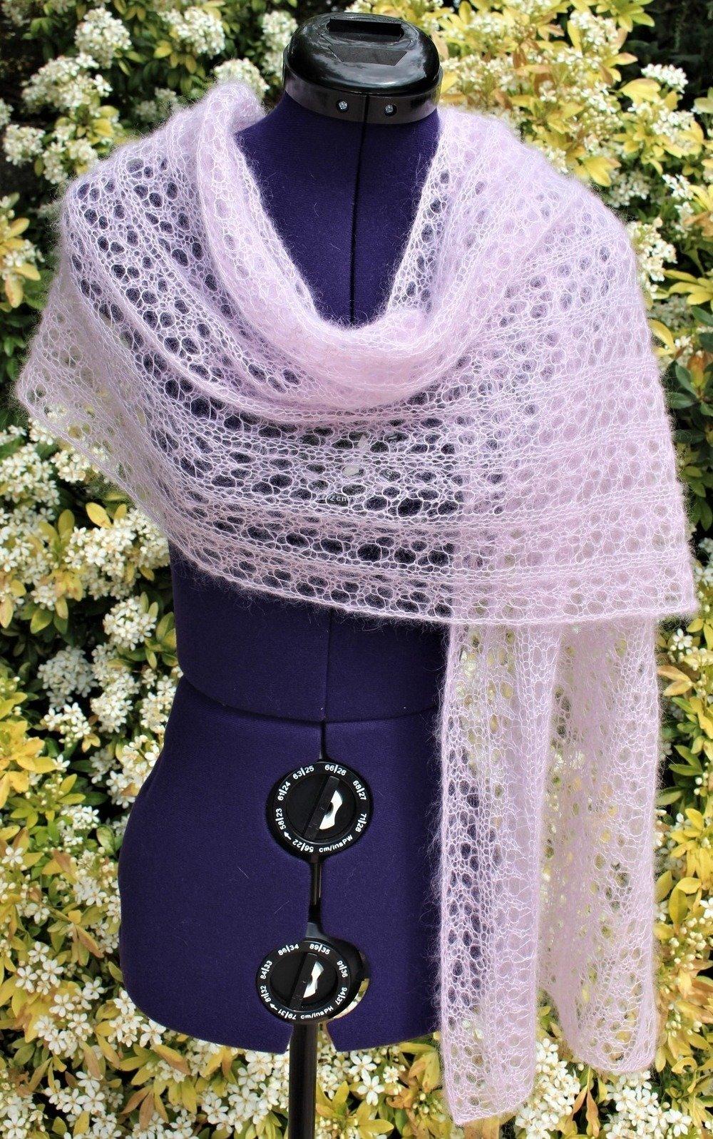 Étole mohair soie, châle mariage, étole tricot dentelle, écharpe ajourée rose poudré