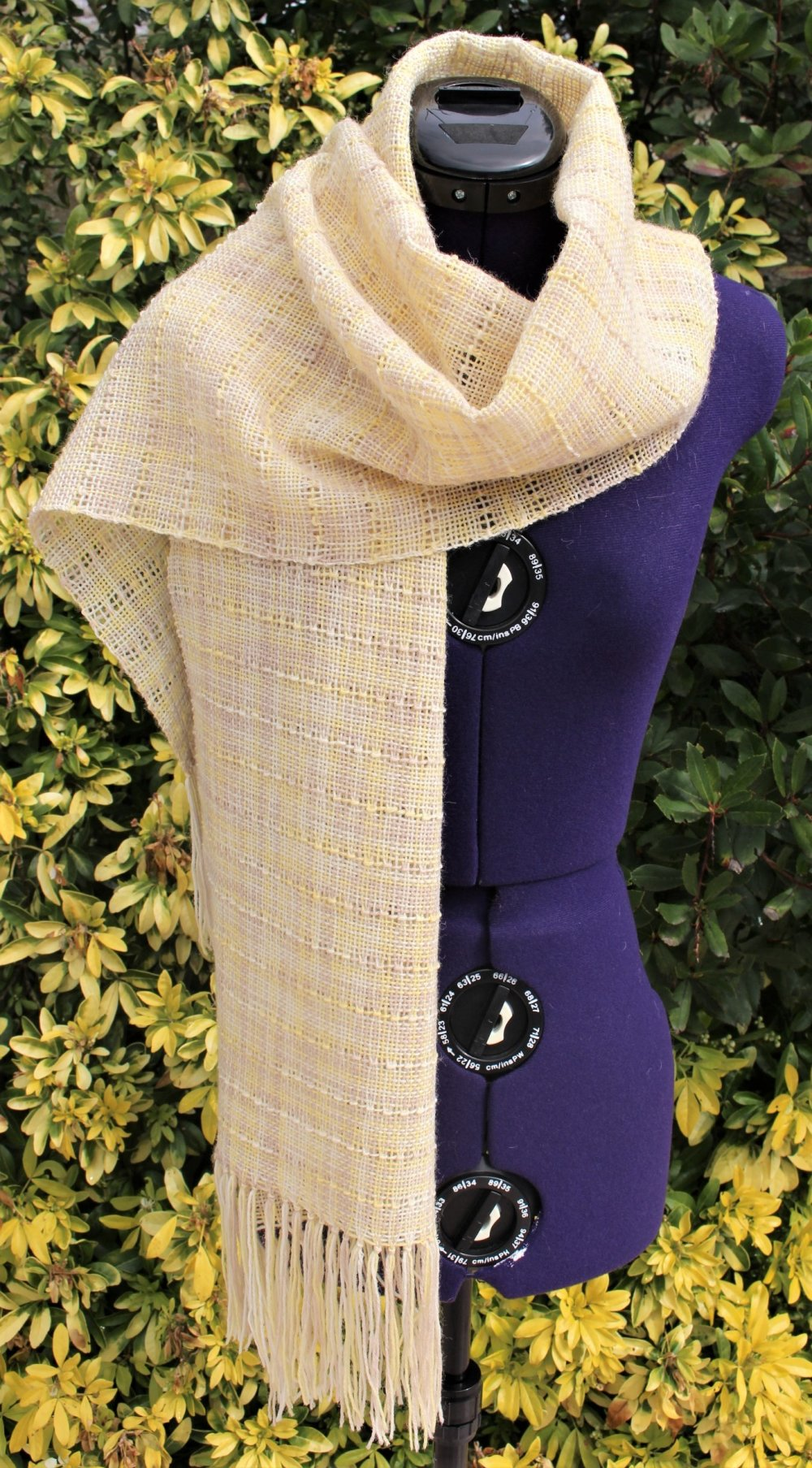 Étole en laine fait main, écharpe tour de cou tissée, châle foulard ajouré, cape à franges laine polyamide dégradé jaune