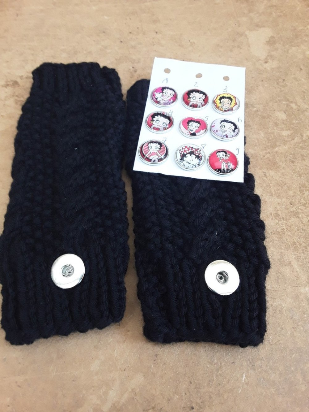 mitaines noires 18cm, laine, betty boop