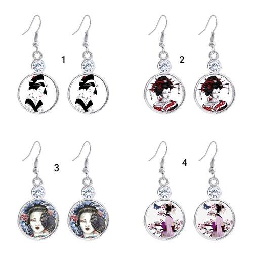 Boucles d oreilles ,crochets, faux strasses,  geisha, japonaises, boutons 20mm