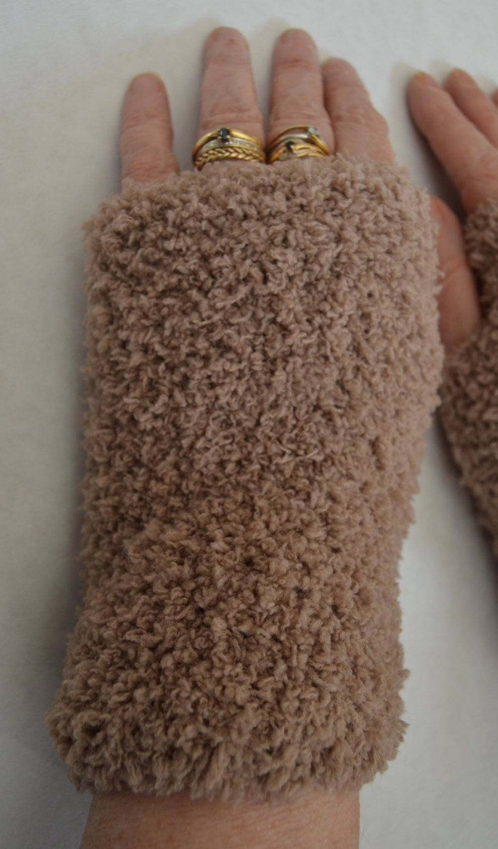 mitaines beiges, bruns claires, 18cm, laine bouclettes