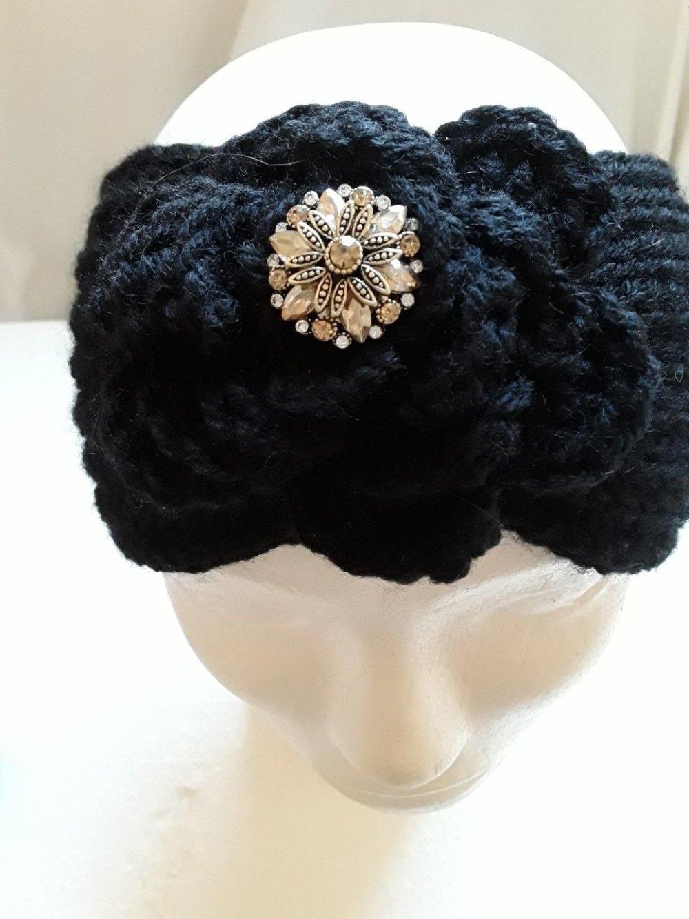 bandeau noir, avec perles dorées , tricot , fait mains