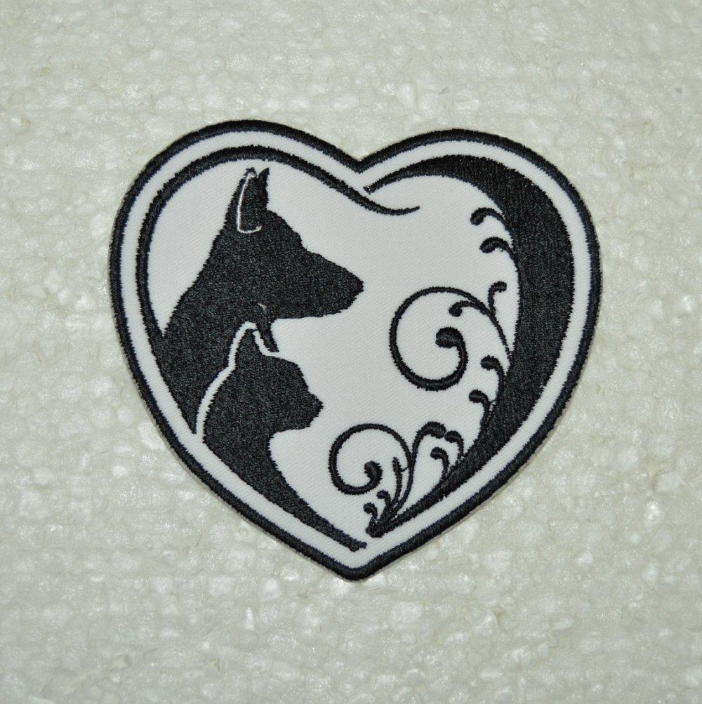 écusson, patch, chat et chien ,broder et thermocollant ,9/10cm