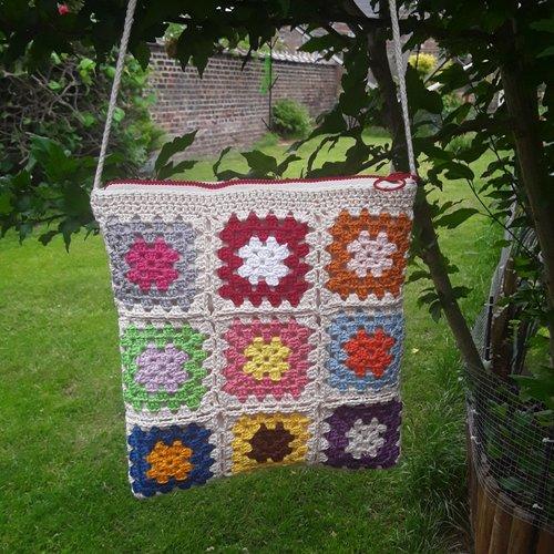 Sac granny coton , grand mère boho bohème , beige , carrés , beige multicolore doublée poche, tirette , 25/24cm , matelass
