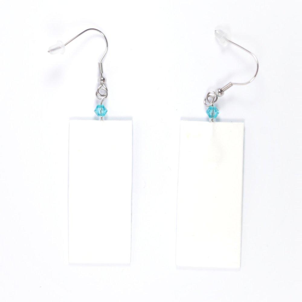 Boucles d'oreilles rectangulaires en papier japonais - vagues bleues sur fond blanc