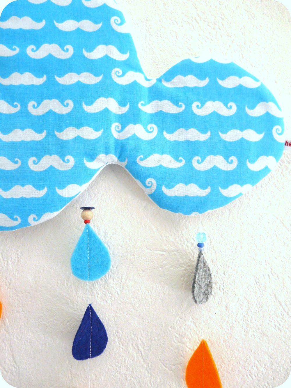 Nuage mobile  GM - collection MOUSTACHES TURQUOISES