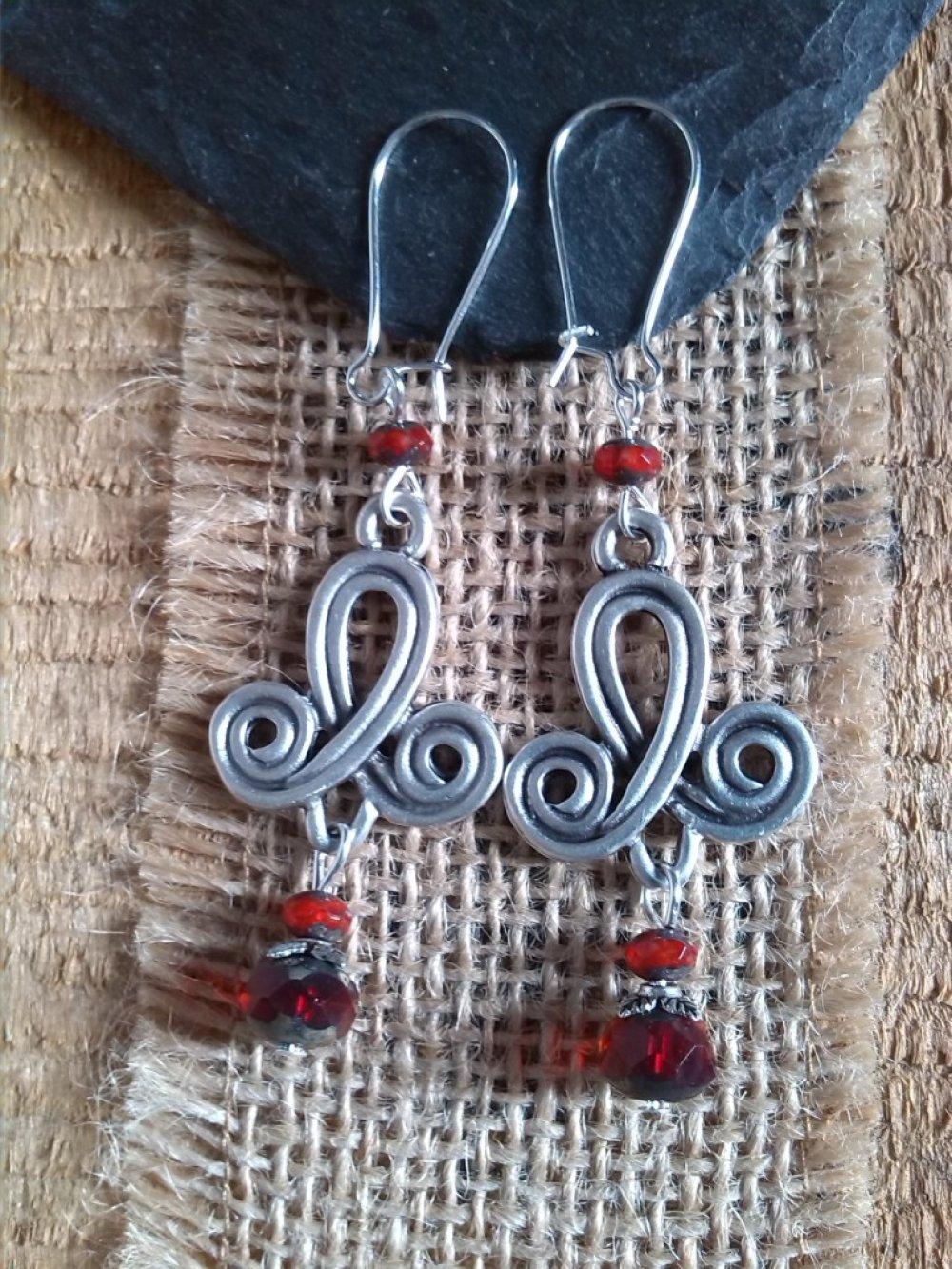 Boucles d'oreilles argenté et Bohème rouge