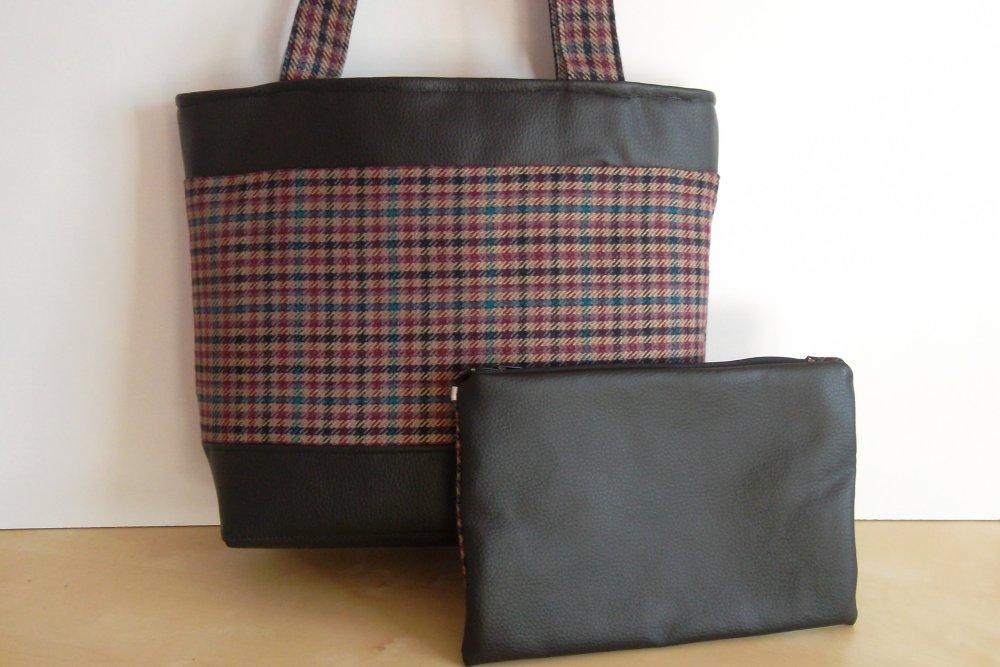 Sac cabas avec sa grande pochette, fermeture à glissière, entièrement doublés, mousqueton, simili cuir et carreaux, sac, bandoulières