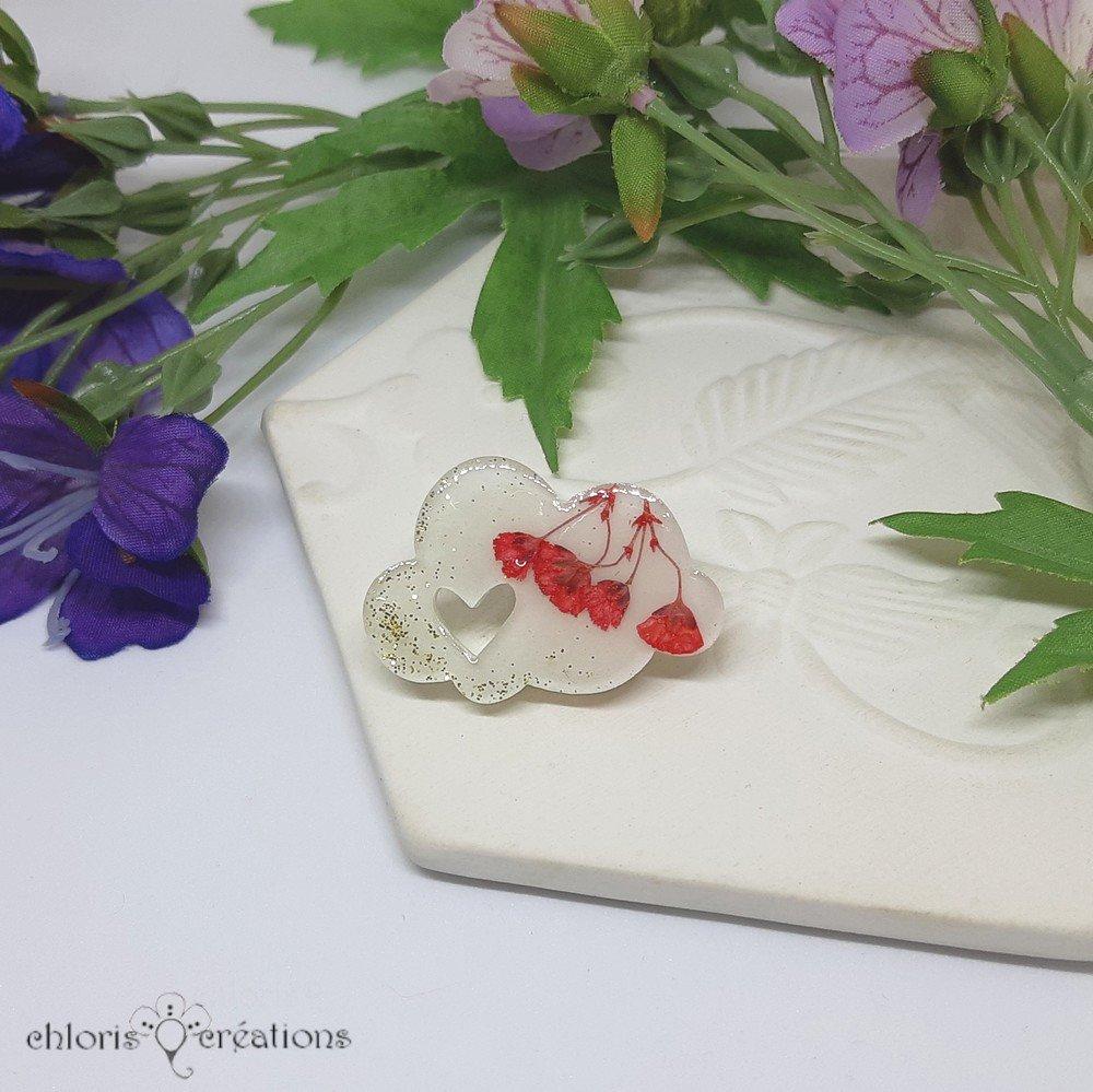 Broche **Nuage** en résine et véritables fleurs séchées
