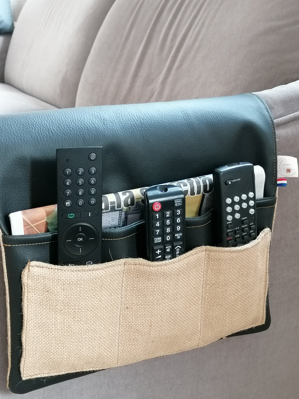 Rangement télécommande et porte TV magazines / Porte télécommande *SUR COMMANDE*