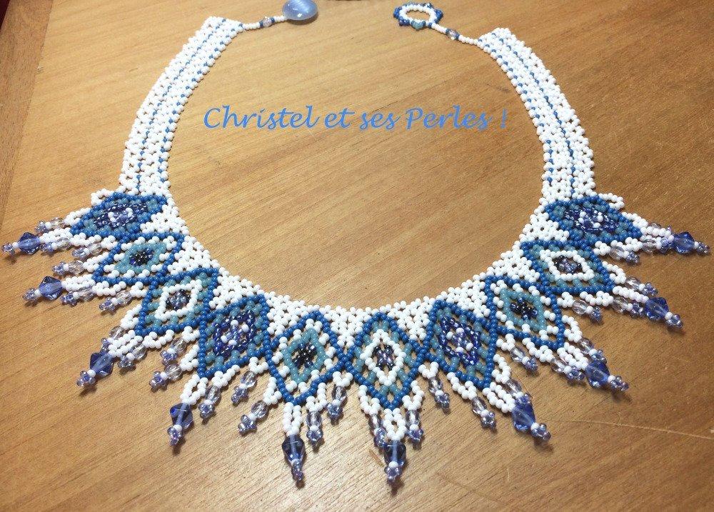 collier perle bleu et blanc
