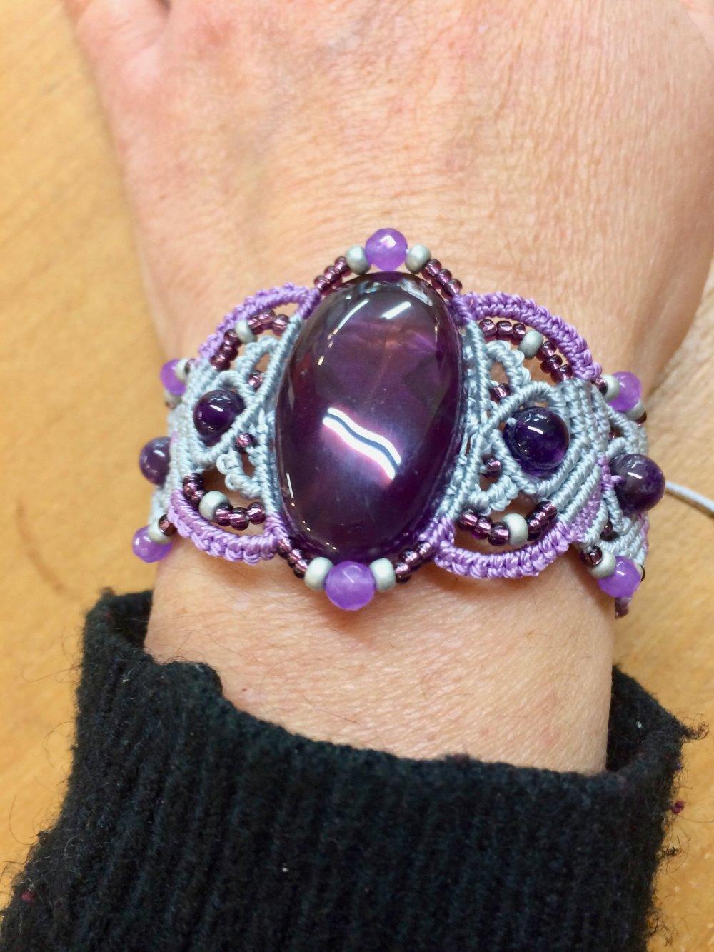 Bracelet macramé bicolore et Améthyste
