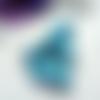 Lot de 6 perles brillantes 12 mm en acrylique tete de mort bleue ciel