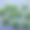 Cabochons forme fleurs dahlias en résine vert (x8)