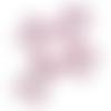 Breloque/pendentif croix ajourée en acrylique rose (x2)