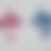 Breloque/pendentif croix transparente en acrylique rose (x2)