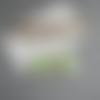 Boucles d'oreilles vert anis et blanche, boucles cahier et tache vert anis, boucles pâte polymère fimo, cadeau maitresse
