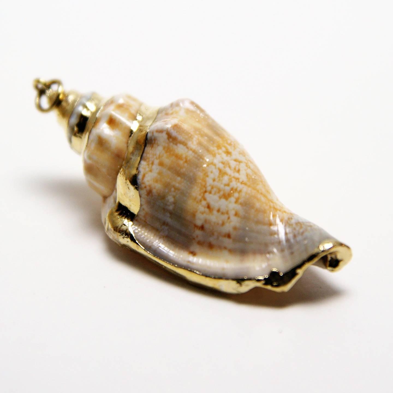 1 pendentif coquillage/escargot de mer naturel