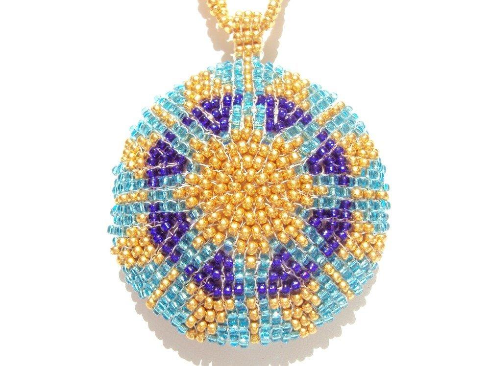 Médaillon en perles de rocailles Miyuki