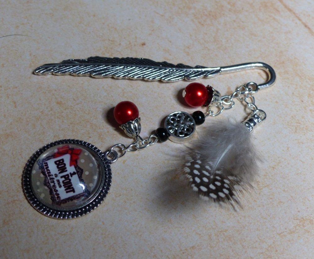 """Marque pages """"un bon point pour ma maitresse"""" perles rouges et plume"""