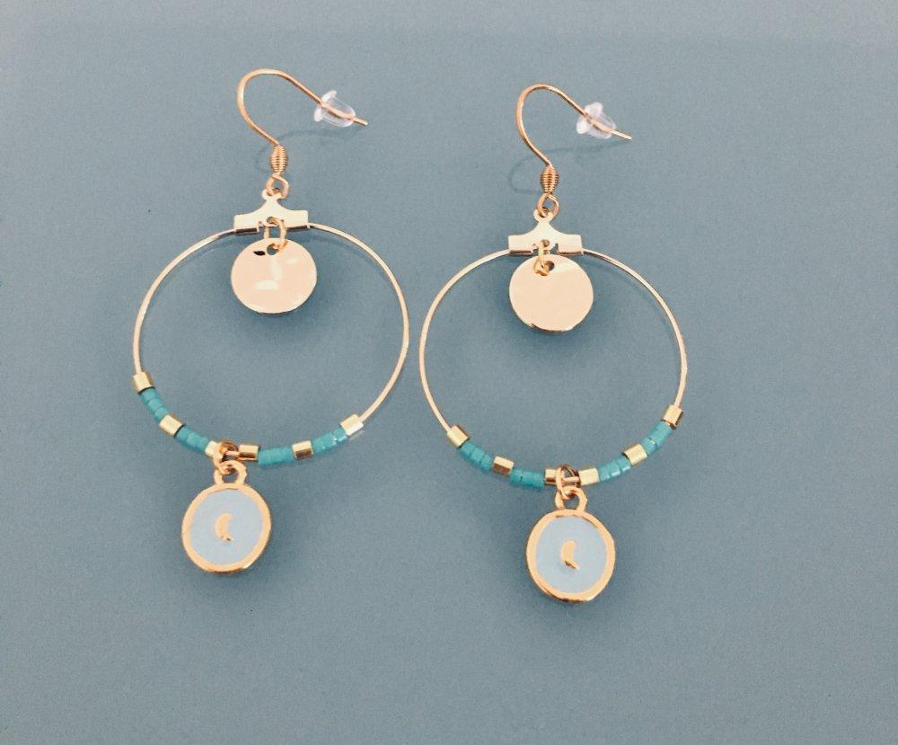 Boucles d'oreilles créoles lune dorée et perles turquoises et or, creoles dorées, bijou doré, bijoux ca