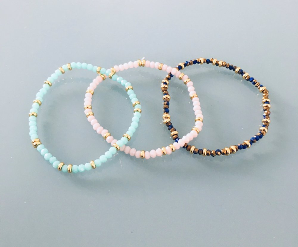 Bracelet femme perles roses et Heishi dorées, bracelet doré, bracelet perles, bijoux cadeaux, bijou femme