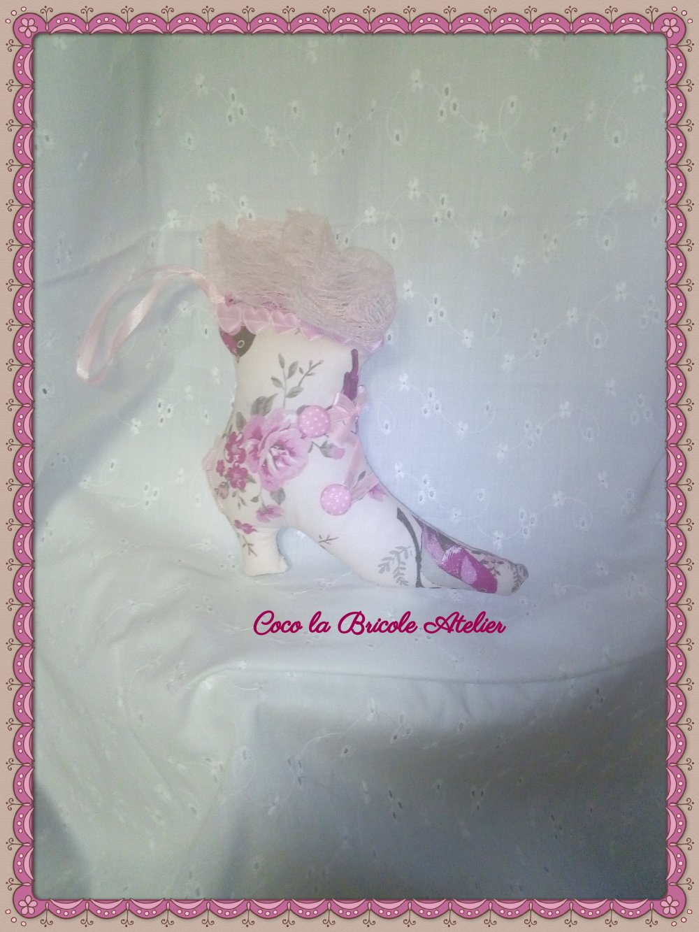 Ornement chaussure shabby chic rose