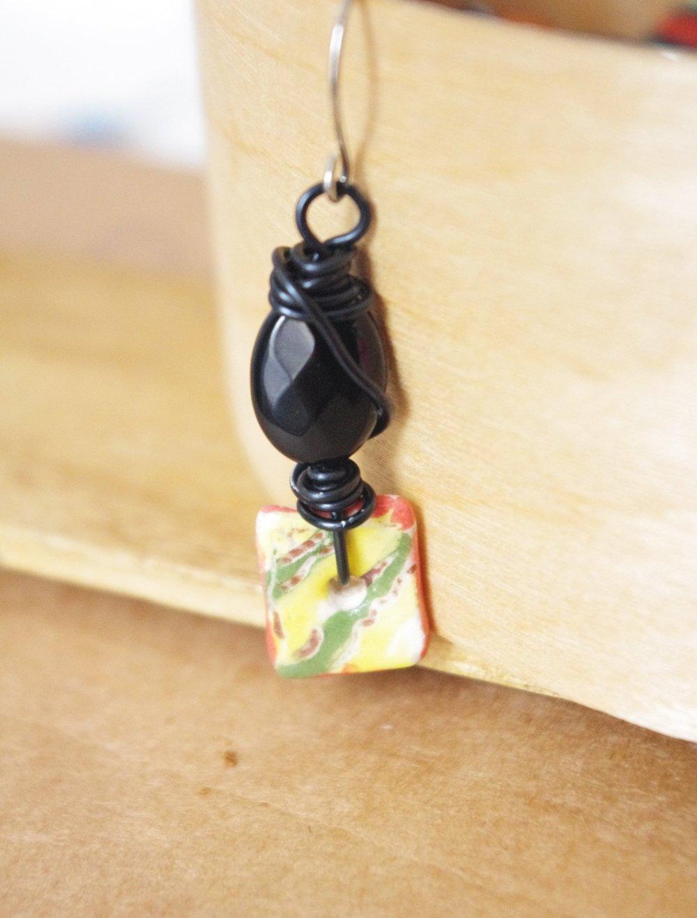 boucle d'oreille homme noir rayure multicolore - crochet acier inoxydable