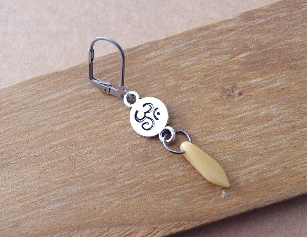 Boucle d'oreille homme Om Aum - bijou symbole énergie mantra