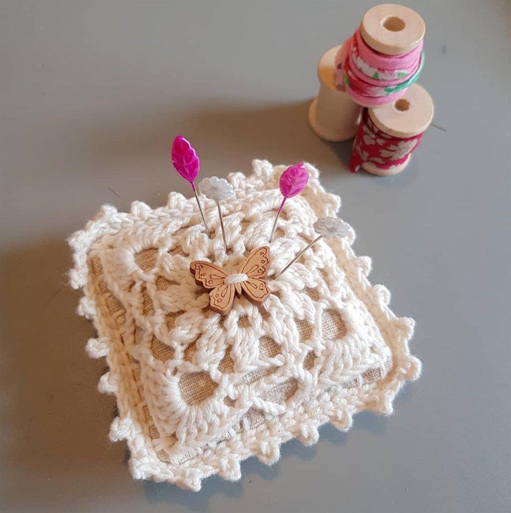 Pique aiguille + épingles - Mercerie rustique - Idée cadeau couturière