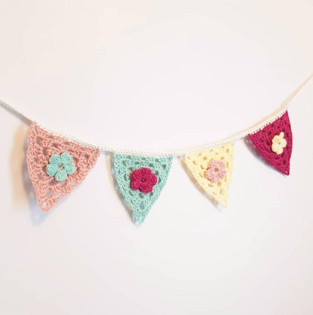 Guirlande 4 fanions triangle pastel - chambre d'enfant bébé fille