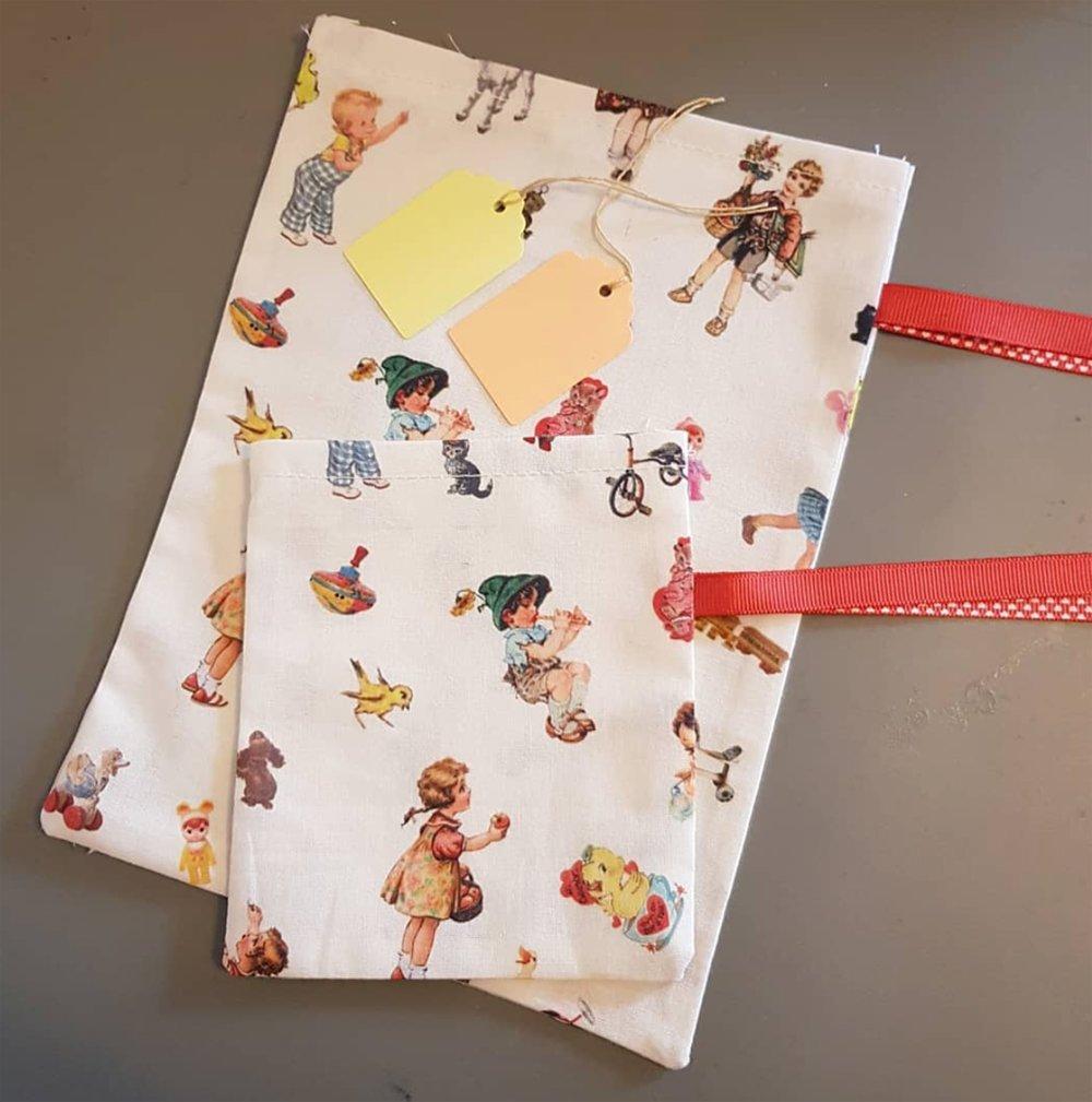 2 paquet cadeau en tissu rétro - pochon pochette sachet réutilisable zéro déchet + étiquette cadeau
